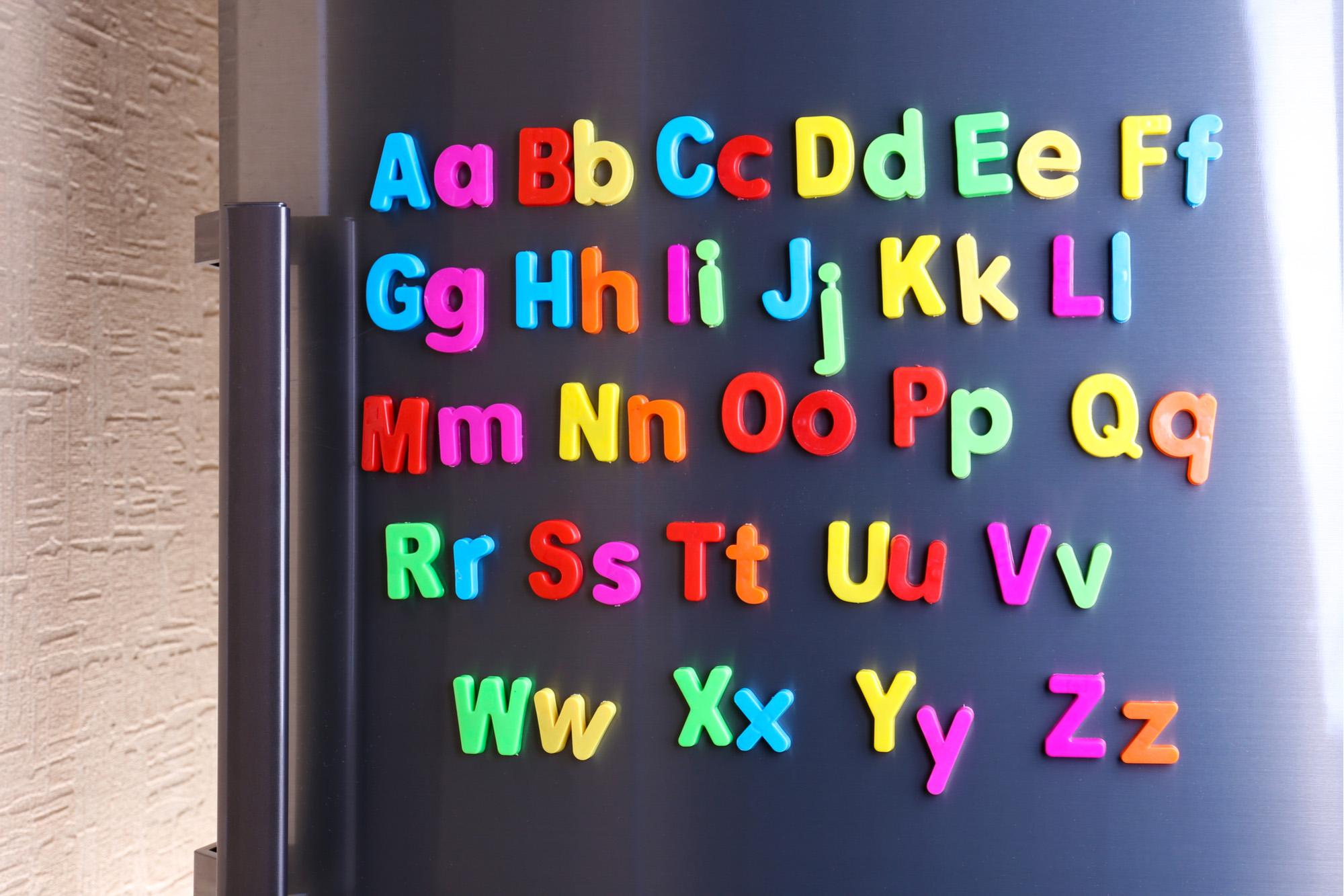 Alphabet on fridge door-72 ppi