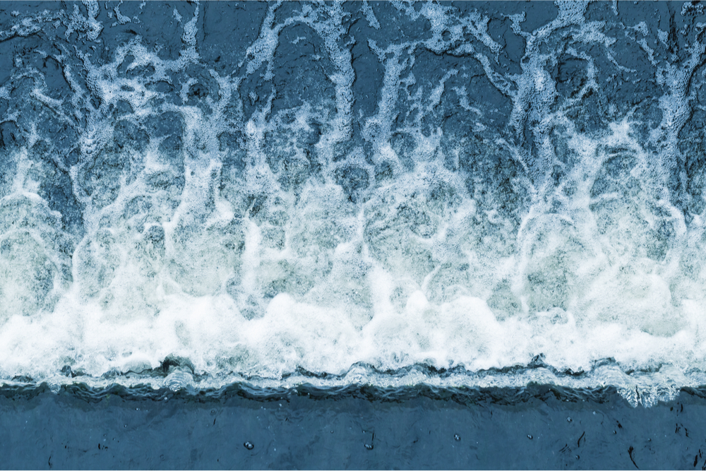 contrast between steady and turbulent flow