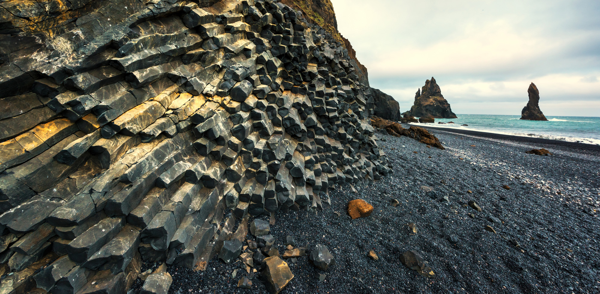 Basalt rock formations-72 ppi