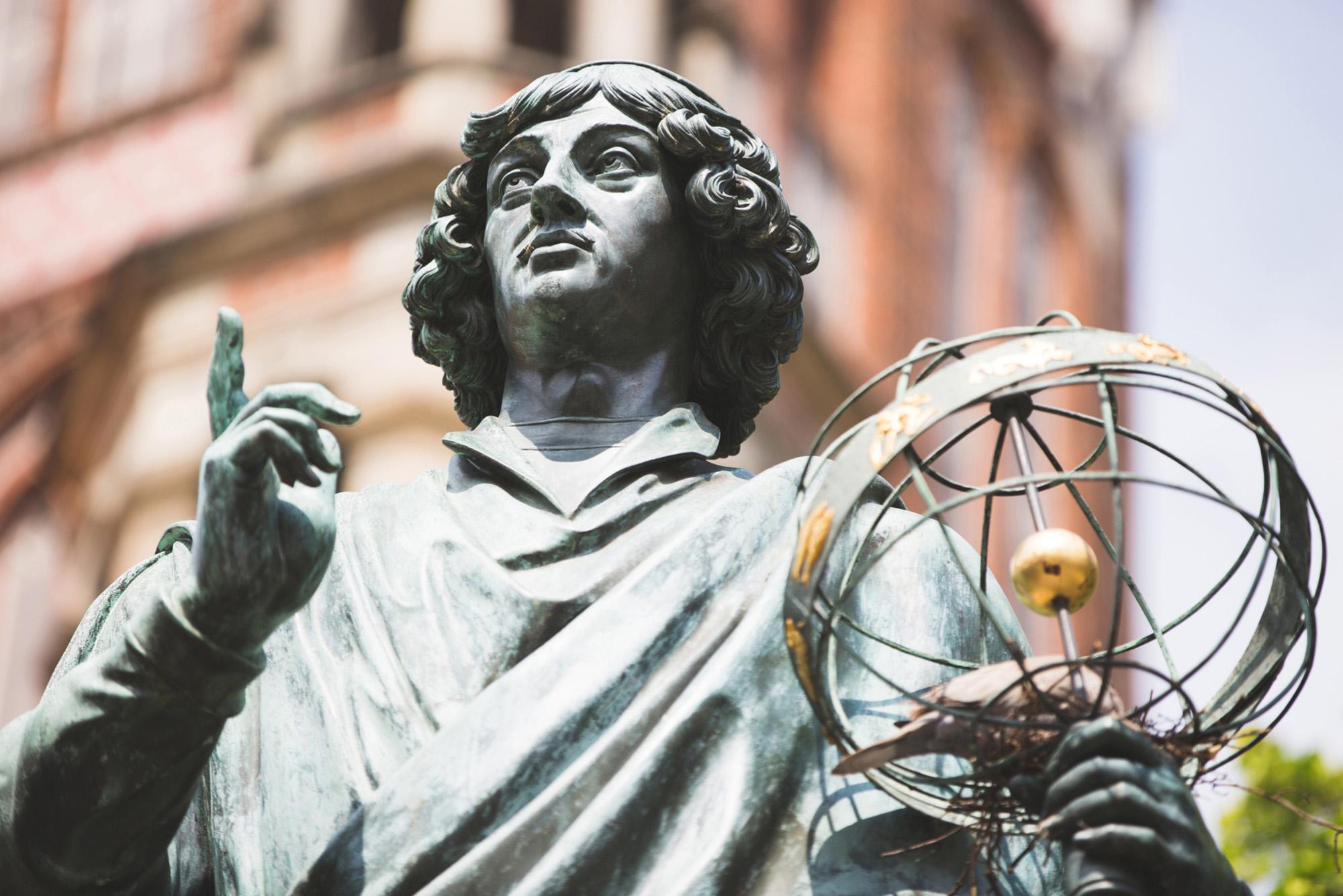 تمثال نيكولاس كوبرنيكوس في تورون