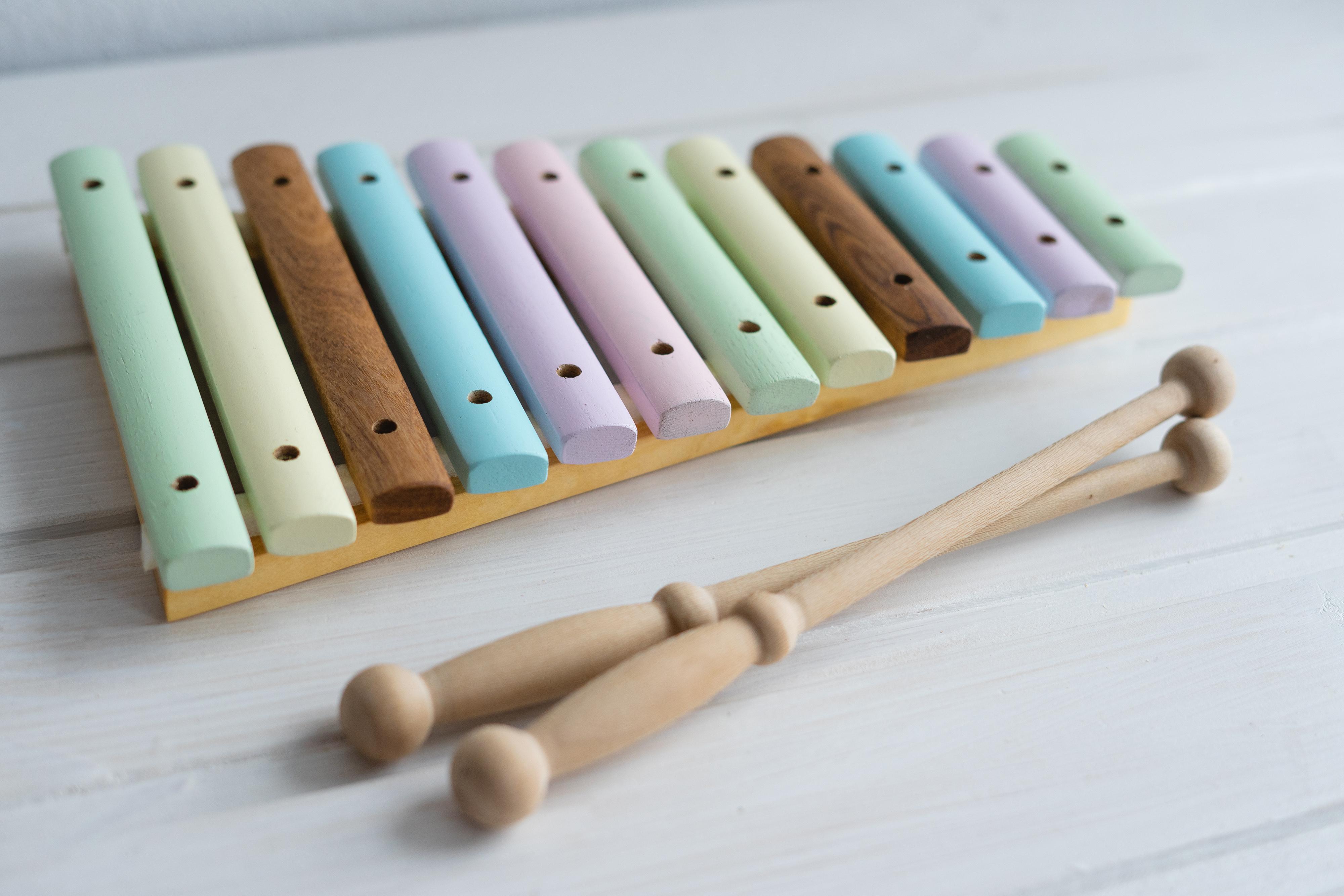 Xilofone feito de madeira natural1-editado